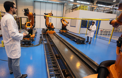 Cell multirobot to contribute to the implementation of improvements in production processes and production automation companies